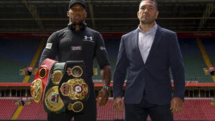 Anthony Joshua (L) and Kubrat Pulev will face off in London in December