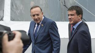 Pierre Gattaz et Manuel Valls lors des universités d'été du Medef, le 27 août 2014.