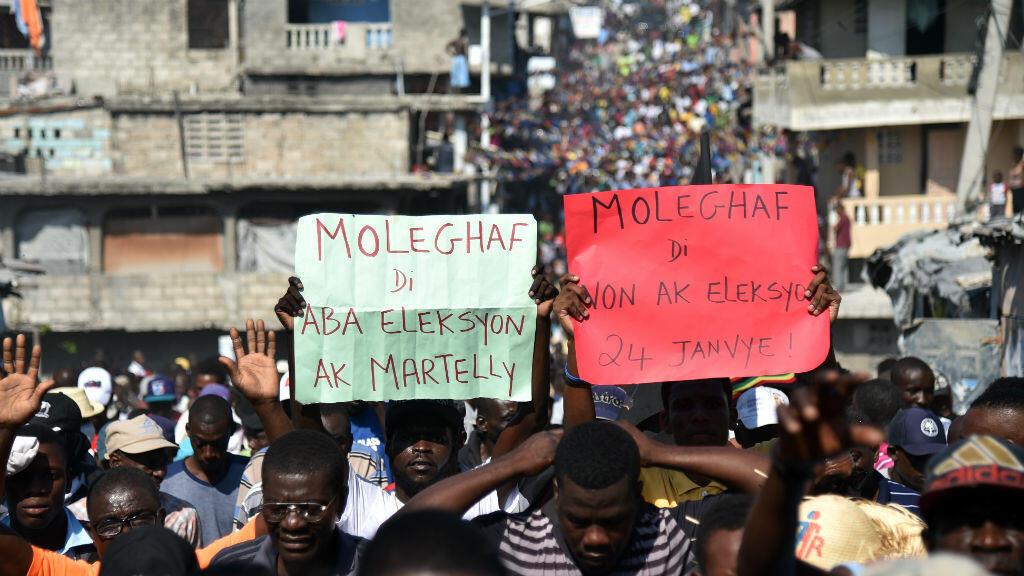 Manifestation dans les rues de Port-au-Prince, le 18 janvier 2016.