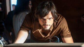 Ashton Kutcher dans les habits de Steve Jobs