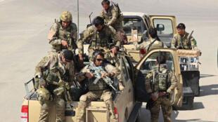 Les Forces afghanes arrivent dans Kunduz, dans le nord de l'Afghanistan, le 29 septembre 2015.