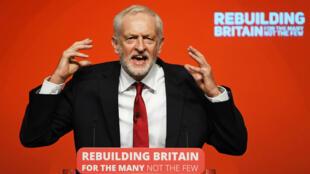 Jeremy Corbyn lors de son discours de clôture du congrès du Labour, le 26 septembre, à Liverpool.