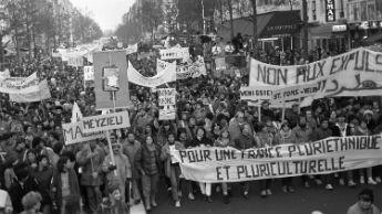 """Arrivée de la """"Marche des Beurs"""" à Paris."""