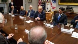 دونالد ترامب في البيت الأبيض مع زعماء الجمهوريين في الكونغرس. 5 أيلول/سبتمبر 2018.