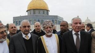 وزير الشؤون الخارجية العماني يوسف بن علوي يزور المسجد الأقصى في القدس الشرقية في 15 فبراير