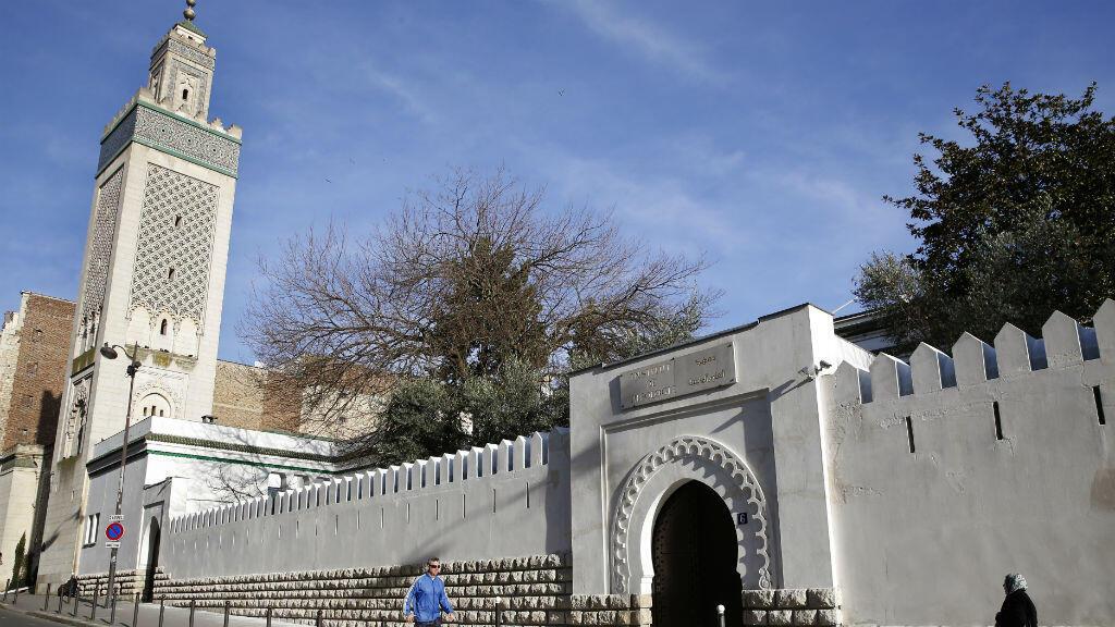 En France vit la première communauté musulmane d'Europe, estimée à plus de quatre millions de membres.