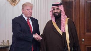 صورة تعود إلى 14 آذار/مارس 2017 للرئيس الأمريكي دونالد ترامب وولي العهد السعودي محمد بن سلمان في البيت الأبيض.