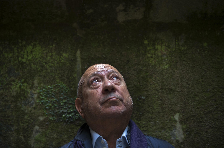 L'artiste contemporain français Christian Boltanski à Saint-Jacques-de-Compostelle, en Espagne, le 26 juin 2014
