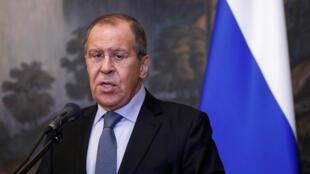 El ministro de Relaciones Exteriores ruso, Sergei Lavrov, habla durante una conferencia de prensa luego de una reunión con su homólogo de Madagascar, Eloi Maxime Dovo, en Moscú, Rusia, el 22 de octubre de 2018.
