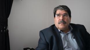 صالح مسلم القيادي السوري الكردي الذي تطالب تركيا بتوقيفه لاتهامه بالإرهاب