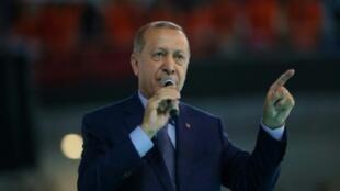 أردوغان يعلن فرض عقوبات على وزراء أمريكيين ردا على عقوبات واشنطن. 04 آب/أغسطس 2018.