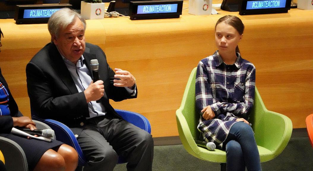 El Secretario General de la ONU, Antonio Guterres, y la activista Greta Thunberg, en la primera Cumbre de la Juventud sobre el Clima, el 21 de septiembre de 2019, en la sede de la Organización de Naciones Unidas, en Nueva York, EE. UU.