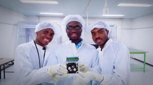 Les trois chercheurs à l'origine du projet GhanaSat-1.