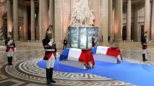 Simone Veil est la cinquième femme à faire son entrée au Panthéon.