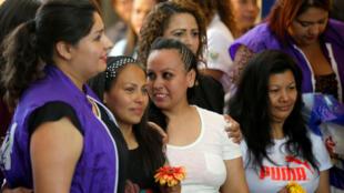 Alba Rodríguez, Cinthia Rodríguez y María del Tránsito Orellana, quienes fueron condenadas bajo cargos de aborto, son puestas en libertad.