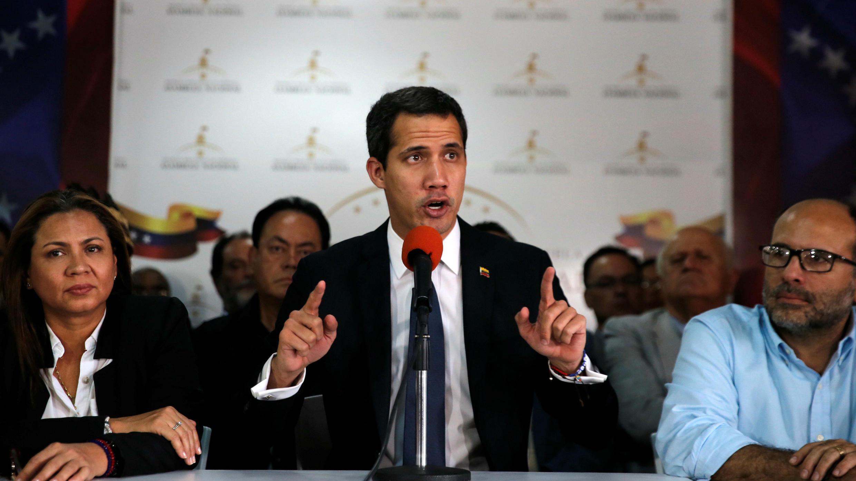 El líder opositor Juan Guaido habla durante una conferencia de prensa en Caracas, Venezuela, el 14 de mayo de 2019.