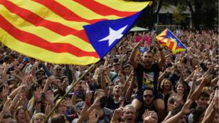 Les Catalans sont en grève mardi 2 octobre pour protester contre les violences policières lors du référendum de dimanche.