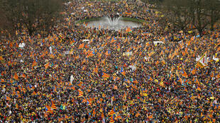 Catalanes proindependentistas de toda Europa participan en un mitin que muestra su apoyo al derrocado líder catalán Carles Puigdemont y su gobierno, en Bruselas, Bélgica 7 de diciembre de 2017.