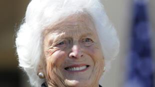 باربرا بوش زوجة الرئيس الأمريكي الأسبق جورج بوش الأب ووالدة الرئيس الأسبق جورج بوش الابن