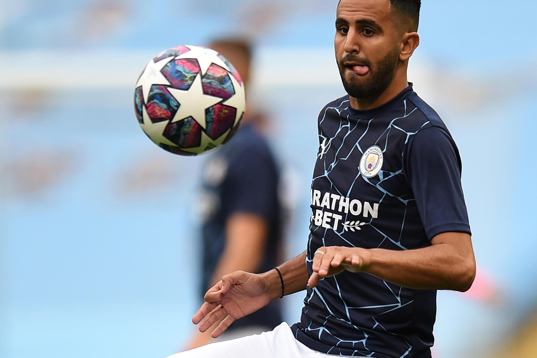 لاعب مانشستر سيتي الإنكليزي الدولي الجزائري رياض محرز