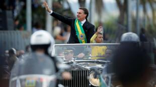El presidente de Brasil, Jair Bolsonaro, durante el desfile por la conmemoración del día de la independencia de su país, en Brasilia, el 7 de septiembre de 2019.