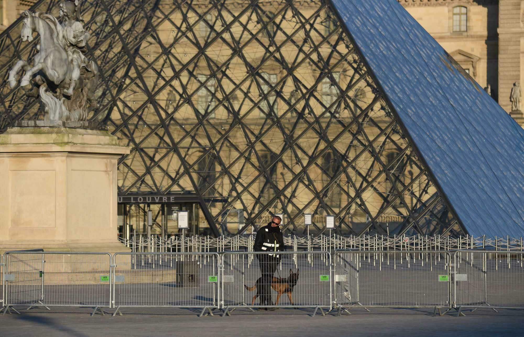 Paris_lockdown_03