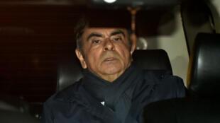 Carlos Ghosn alors qu'il quitte le bureau de son avocat le 3avril, la veille de sa nouvelle arrestation.