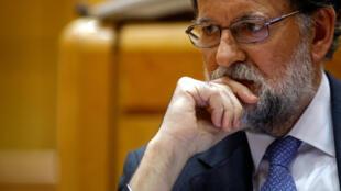 Le chef du gouvernement espagnol Mariano Rajoy a annoncé vendredi la destitution du président catalan Carles Puigdemont et de son exécutif.