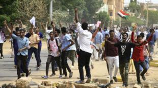 Des milliers de personnes ont manifesté, jeudi 1er août, à travers le Soudan, ici à Khartoum.