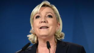 La députée FN Marine Le Pen lors d'un discours à Hénin-Beaumont, le 11 juin 2017.