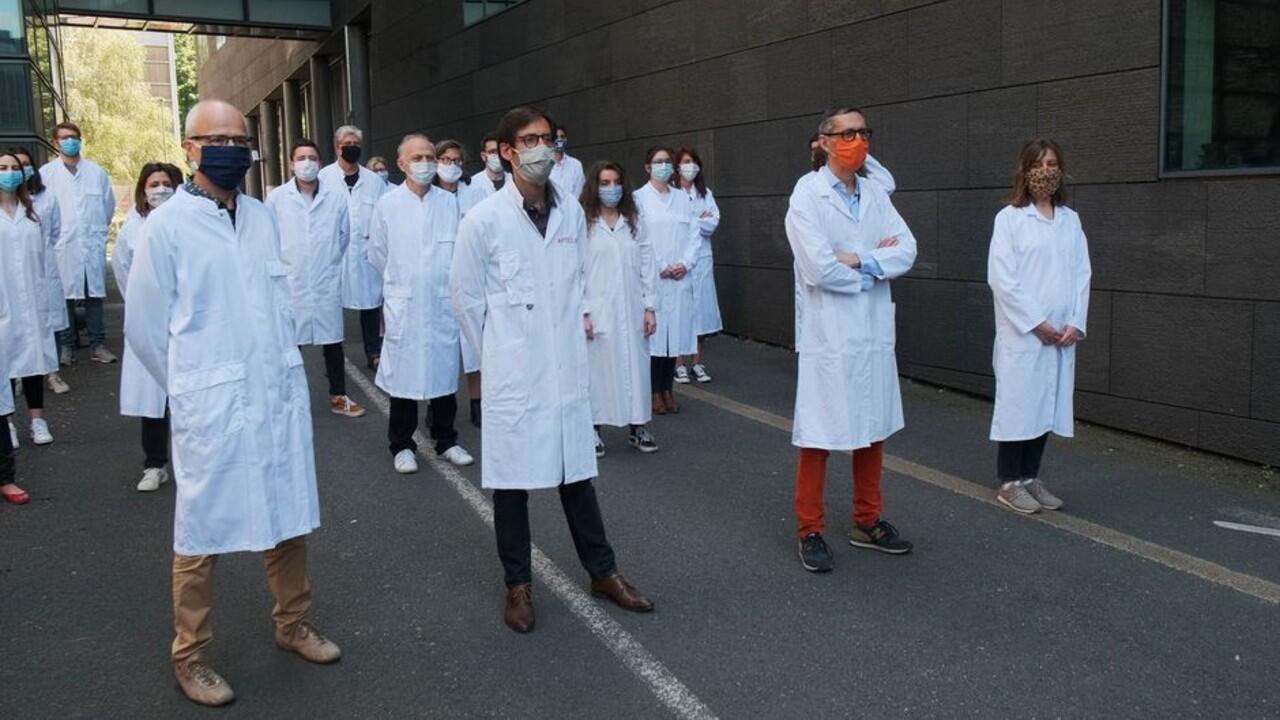 En Francia, un equipo de científicos estaría cerca de encontrar un fármaco para el tratamiento de la Covid-19.