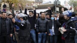 متظاهرون أكراد في السليمانية في 19 كانون الأول/ديسمبر.