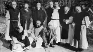 صورة لم يحدد تاريخها للرهبان السبعة في دير سيدة الأطلس في تيبحرين في المدية بالجزائر، الذي أعلنهم الفاتيكان في 27 ك2/يناير 2018 شهداء قبل تطويبهم