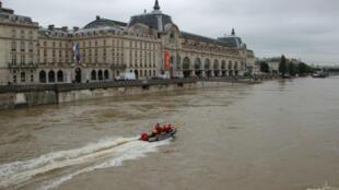 Face à la crue, le musée d'Orsay a fermé ses portes. Réouverture prévue le 7 juin.