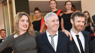 "Robin Campillo (au centre) et son film ""120 battements par minute"", Grand prix du jury du Festival de Cannes 2017."
