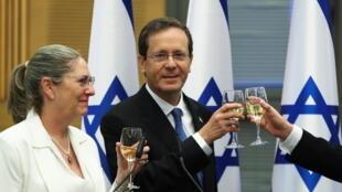 2021-06-02T104303Z_1248448671_RC2ASN9E09U3_RTRMADP_3_ISRAEL-POLITICS-PRESIDENT