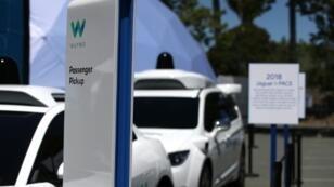 (ILLUSTRATION) Environ 400 personnes utilisent déjà le service de taxis sans chauffeur de Waymo