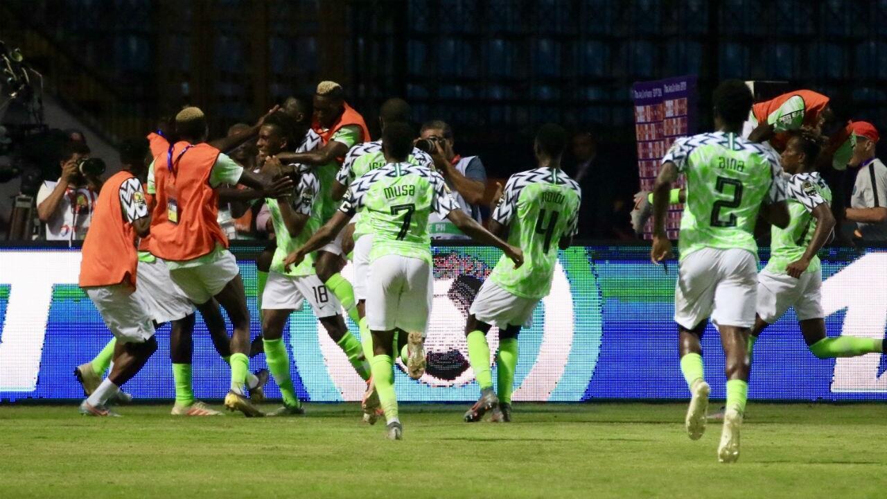 فرحة نيجيريا بتأهلها لدور الـ 8.