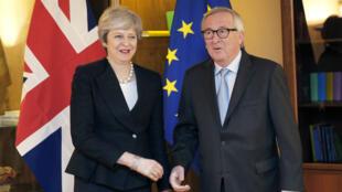Le président de la Commission européenne Jean-Claude Juncker et la Première ministre britannique Theresa May à Strasbourg, le 11mars2019.