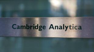 Cambridge Analytica a abusé des données personnelles de 50 millions d'utilisateurs de Facebook.