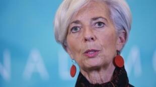 Christine Lagarde rempile pour cinq ans à la tête du FMI.