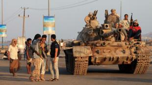 Une dizaine de milices jadis pro-houthis ont aujourd'hui prêté allégeance au président Hadi, chassé par l'insurrection chiite.