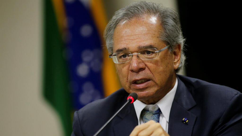 El ministro de Economía de Brasil, Paulo Guedes, asiste a una conferencia de prensa en Brasilia, Brasil, el 12 de junio de 2019.