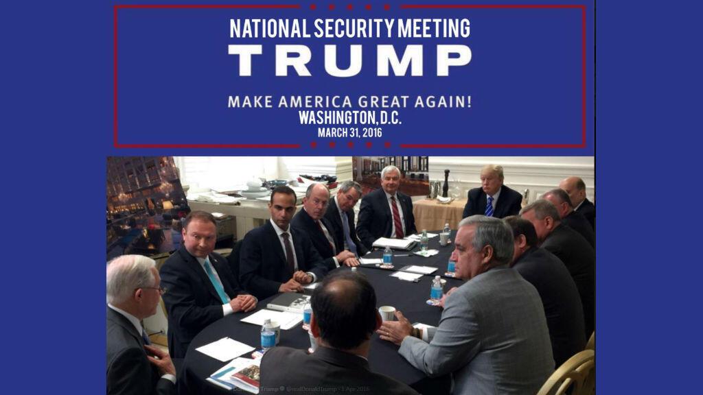 Photo Instagram montrant George Papadopoulos (3e gauche) lors d'un meeting de campagne sur la sécurité nationale, aux côtés de Donald Trump, à Washington le 31 mars 2016.