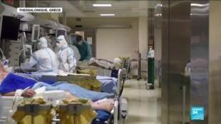 """2020-11-13 13:09 La Grèce déjà reconfinée et débordée par un """"tsunami"""" de victimes du Covid-19"""