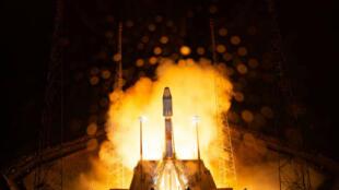La fusée Soyouz qui a mis le télescope européen Cheops en orbite a décollé de Kourou, en Guyane française, mercredi 18 décembre dans la matinée.