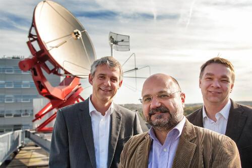 """Les chercheurs de l'équipe """"BlackHoleCam"""" : Heino Falcke, Luciano Rezzolla et Michael Kremer"""