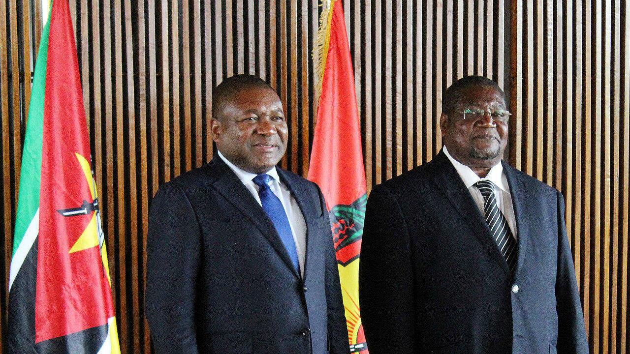 Le président du Mozambique, Filipe Nyusi, et le chef de la Renamo, Ossufo Momade, lors de leur réunion du 27 février 2019 à Maputo.