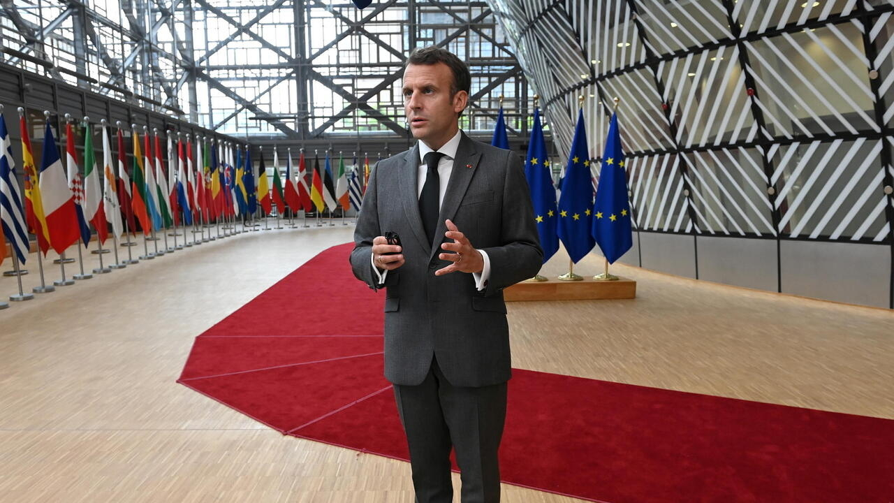 France, Germany propose Putin overture to a divided EU
