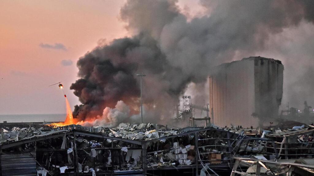 لبنان: مذكرة توقيف غيابية بحق وزير سابق في قضية انفجار مرفأ بيروت